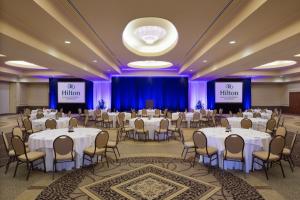 HiltonLakefront_03